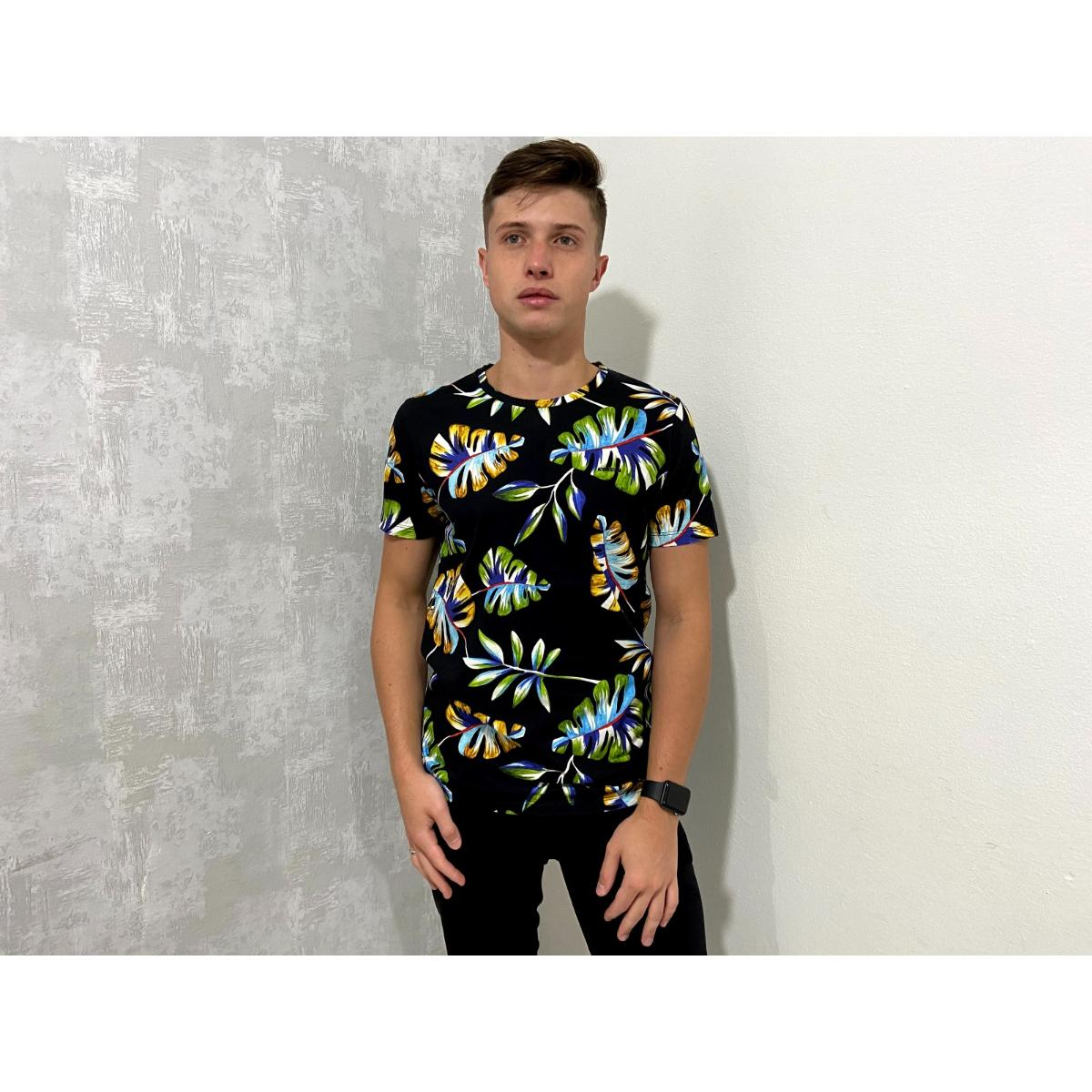 Camiseta Masculina Colcci 350108483 Vc67 Preto Floral