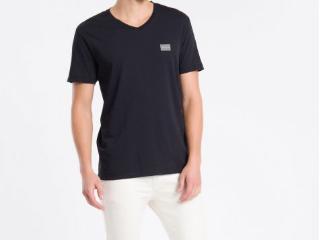 Camiseta Masculina Calvin Klein Ckjm100 Preto - Tamanho Médio
