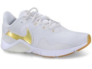 Tênis Feminino Nike Cq9545-010 Legend Essential 2  Gelo/dourado - Tamanho Médio